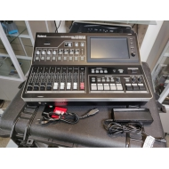 EX-VERHUUR - ROLAND VR50HD - Multi Format HD/SD-SDI AV Live Streaming Mixer